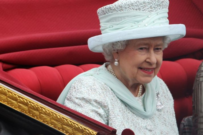 Queen+Elizabeth+during+the+Diamond+Jubilee+procession