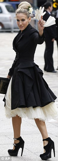 SJP in McQueen's designs at his memorial at St Paul's Cathedral