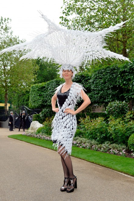 Ascot-2015-hats-1feather
