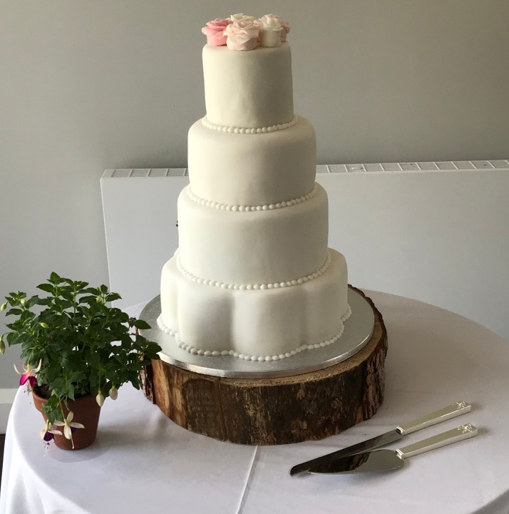 Fleur cake.jpg